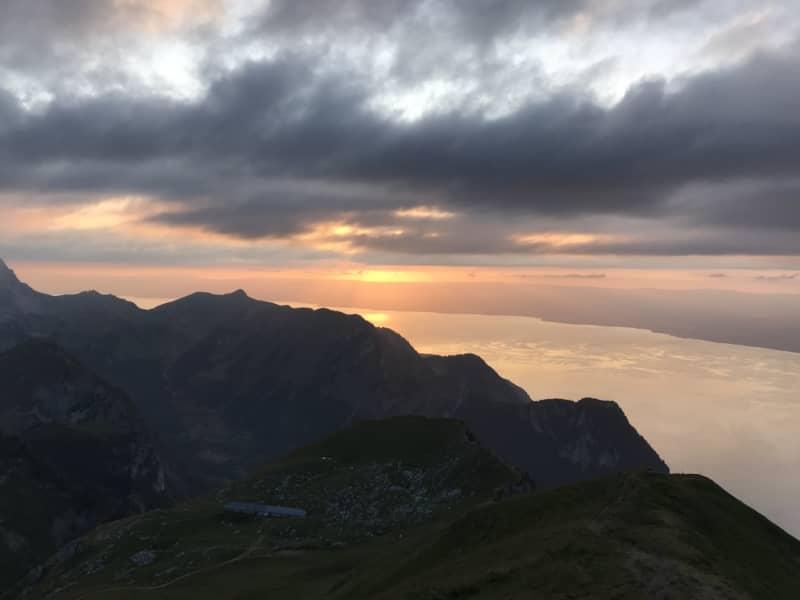 Coucher de soleil sur les crêtes du Jura