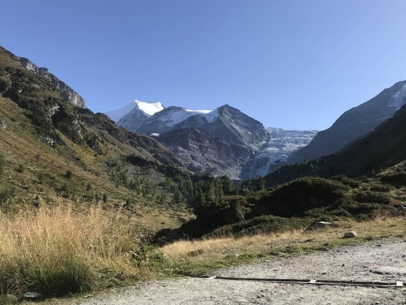 Panorama alpin avec le Bishorn en fond de décor