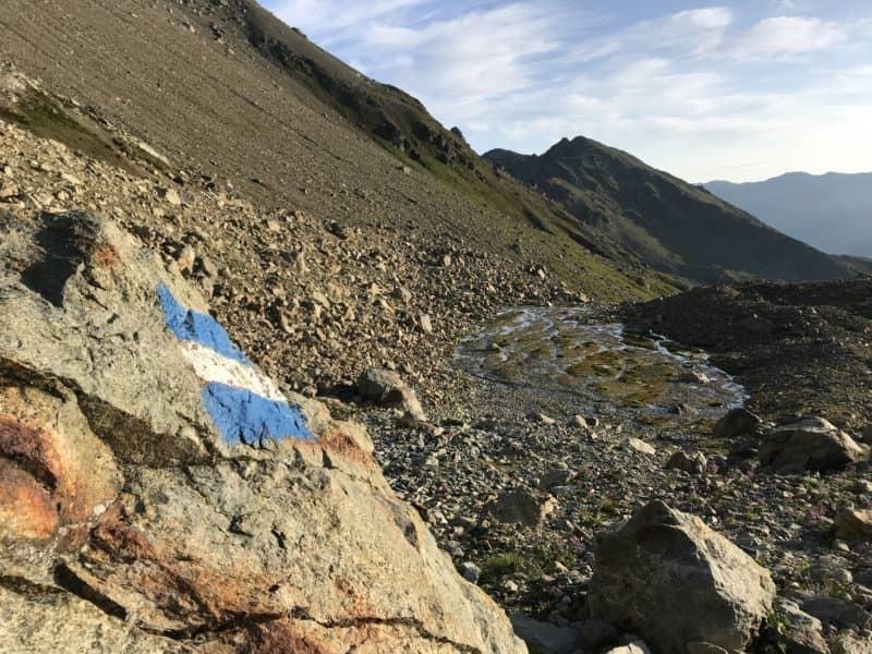 Randonnée alpine pour la montée au col des Ignes