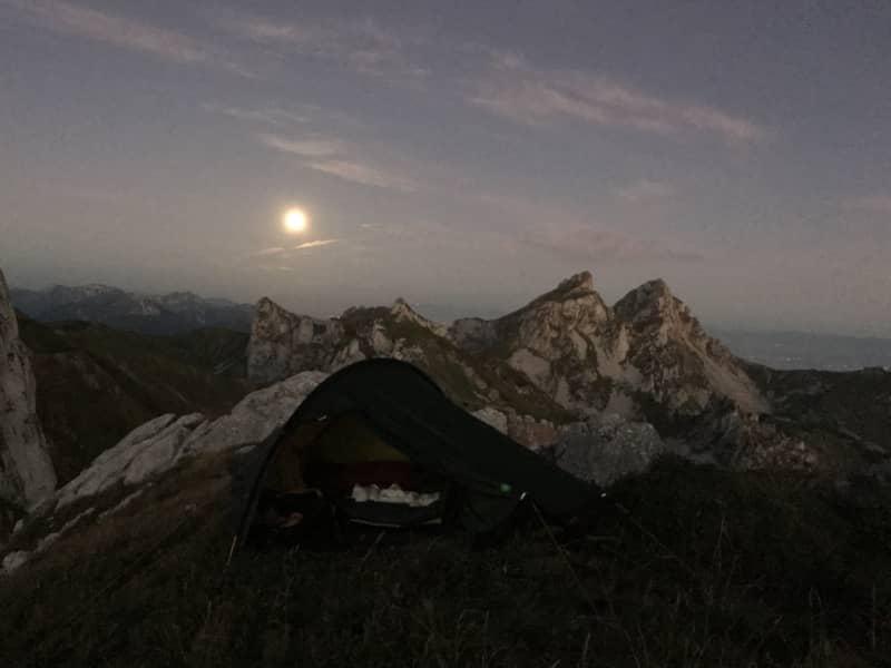 Une nuit sous la pleine lune : une expérience inoubliable!