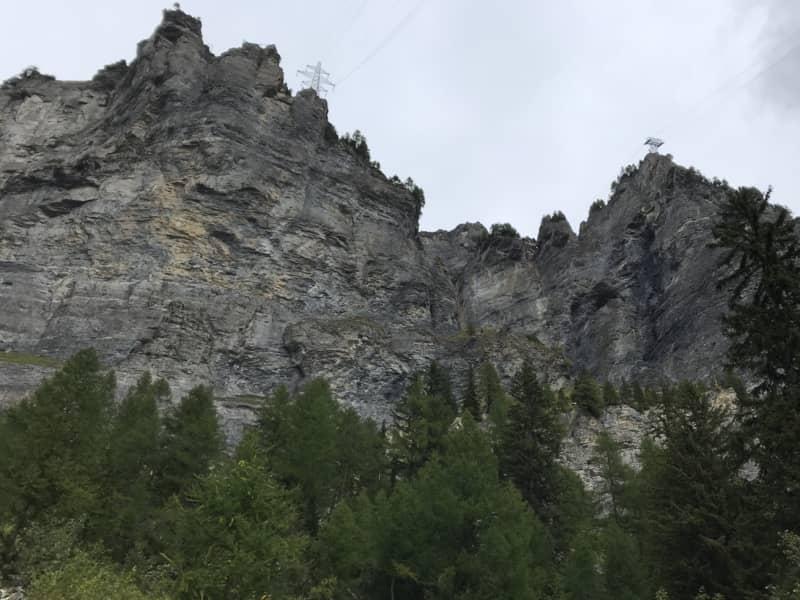 Le mur de la Gemmi au-dessus de Loèche-les-Bains
