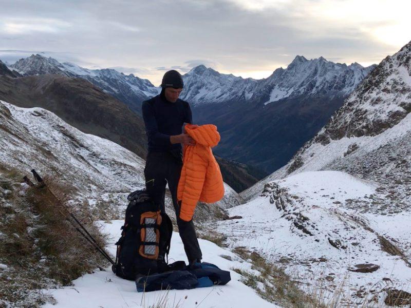 J'enlève la doudoune Light Alpi, elle est trop chaude pour la montée
