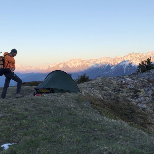 Quel point commun entre bivouac en montagne et médias ?