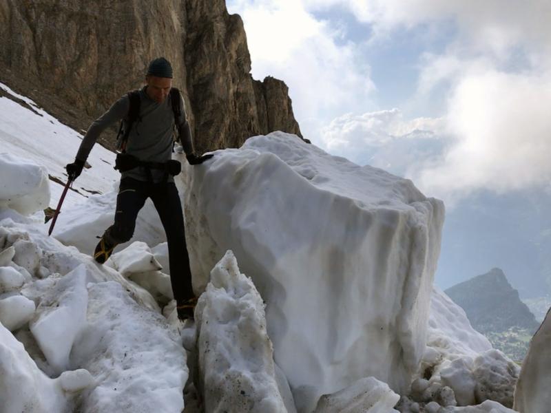 Blocs de neige sous le col de la Forcle