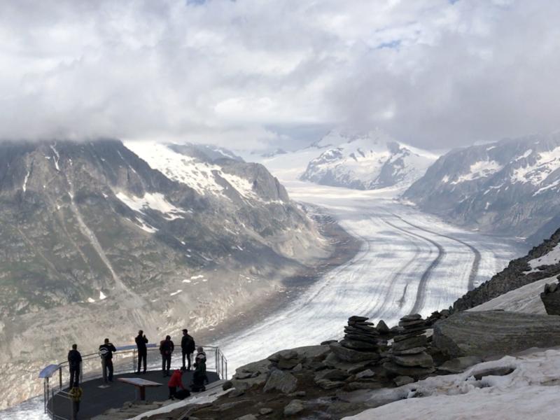 Point de vue sur le fleuve de glace d'Aletsch