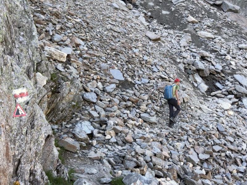 Attention aux chutes de pierres dans certaines zones d'éboulis