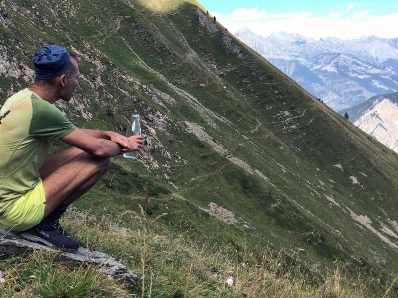 Instant de pause sur le flanc Est du Catogne