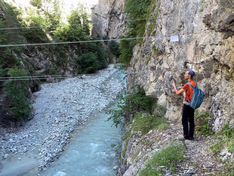 Le pont de singe du départ de la via ferrata de Niouc