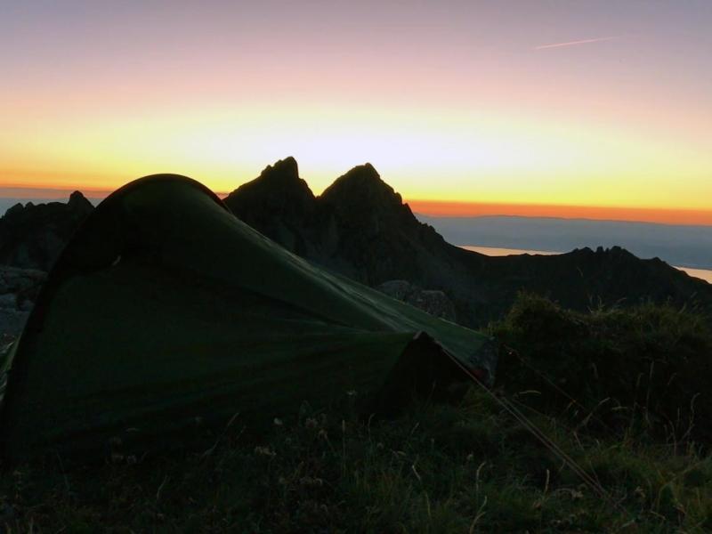 Le bivouac: idéal pour profiter du coucher et lever de soleil